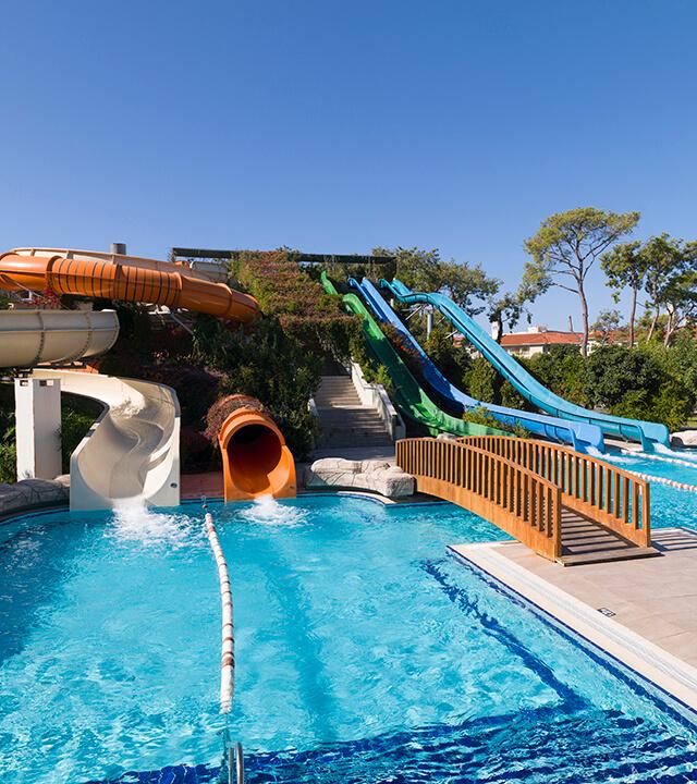 Alibey-Resort-Sorgun-Havuzlar-kaydirak-havuzu-1