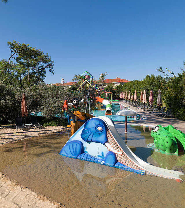 Alibey-Resort-Sorgun-Havuzlar-kum-havuzu-1