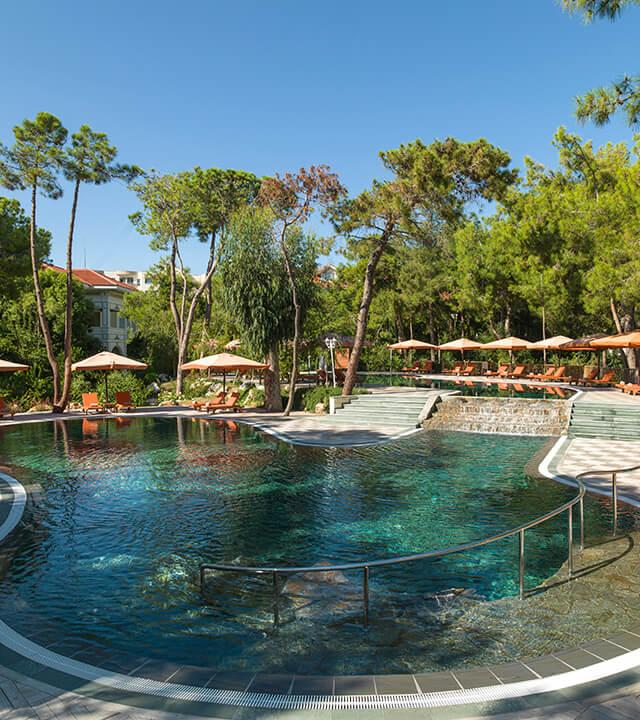 Alibey-Resort-Sorgun-Havuzlar-sessiz-havuz-1