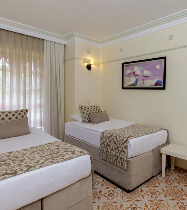 Alibey_Resort_Park_Manavgat_Odalart_Standart_Aile_Odası_yeni_2