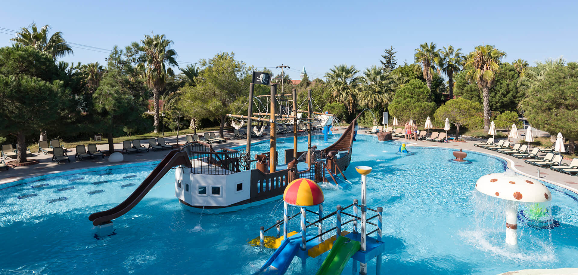 Come and splash around at our fun and an adrenaline-packed huge aquapark, which is one of Turkey's largest waterparks.